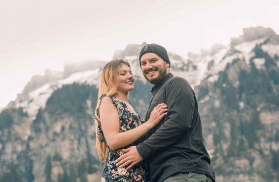 Engagement photo shoot in Wengen